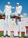 Ходулисты Ангелы на встречу гостей